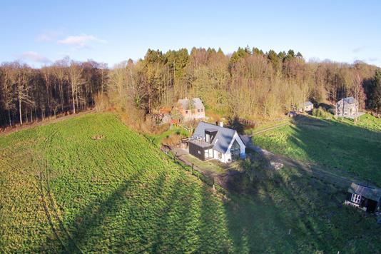 Villa på Ondrup Mosevej i Odder - Ejendommen