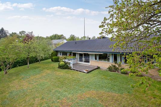 Villa på Rønhøjvej i Odder - Set fra haven