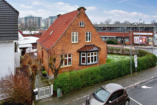 Villa på Aabygade i Odder - Set fra vejen