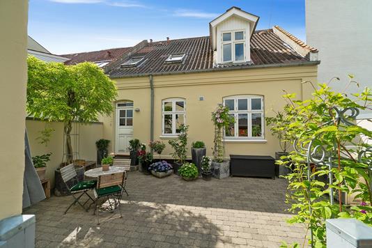 Villa på Rørthvej i Odder - Gårdhave