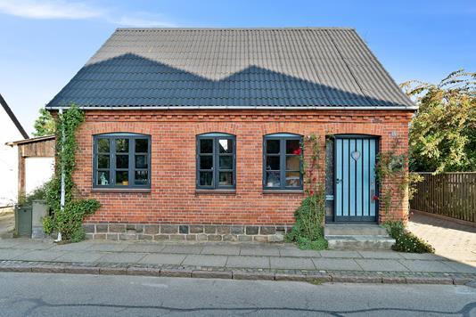 Villa på Østergade i Odder - Set fra vejen
