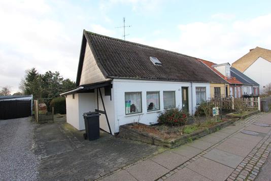 Villa på Østerbrogade i Nykøbing F - Ejendommen