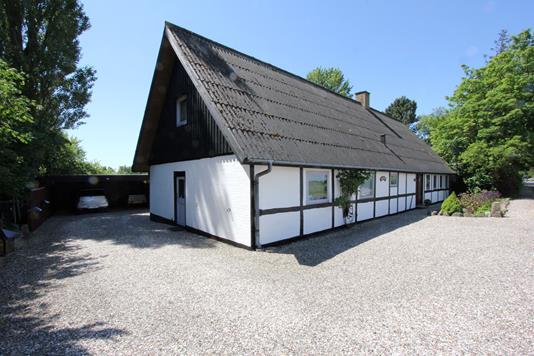 Landejendom på Vantorevej i Nysted - Ejendommen