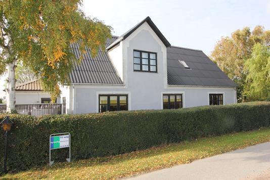 Villa på Nykøbingvej i Nørre Alslev - Ejendommen