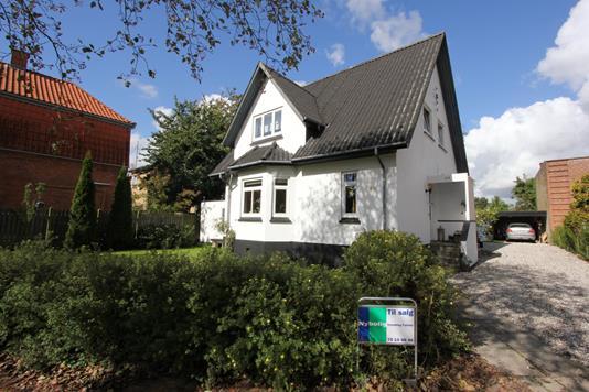 Villa på Østre Alle i Nykøbing F - Ejendommen