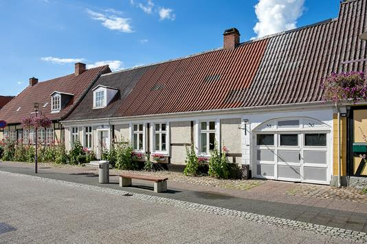 Villa på Vestergade i Stubbekøbing - Set fra vejen
