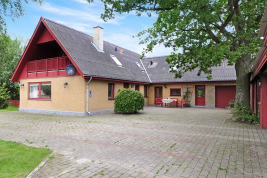Villa på Ebbe Alle i Toreby L - Ejendommen