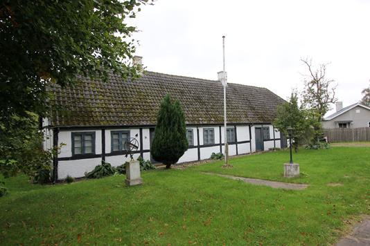 Villa på Niels Clausens Vej i Toreby L - Ejendommen