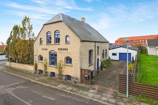 Villa på Strandmarken i Nykøbing F - Ejendommen