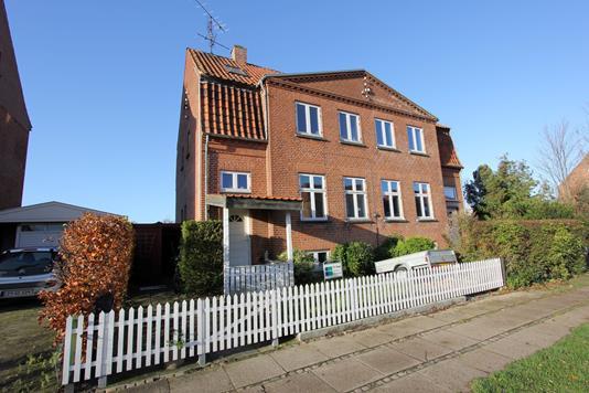 Villa på Nørre Boulevard i Nykøbing F - Ejendommen