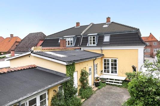 Villa på Vesterskovvej i Nykøbing F - Ejendommen