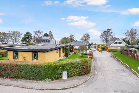 Villa på Strandskiftet i Stubbekøbing - Ejendommen