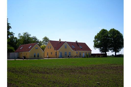 Villa på Nr Kirkebyvej i Nørre Alslev - Ejendommen