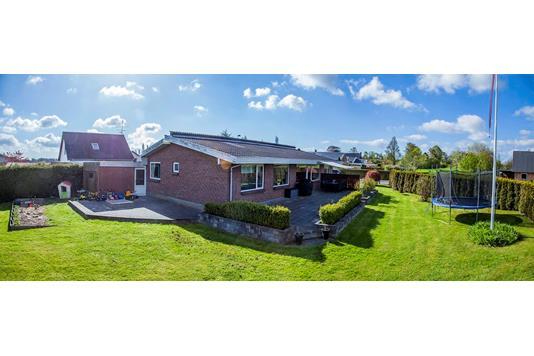Villa på Smedstrupvej i Nykøbing F - Ejendommen