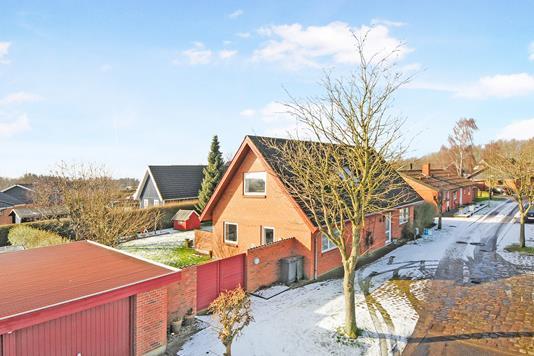 Villa på Baldrianvænget i Nørre Alslev - Ejendommen