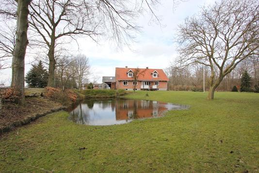Villa på Hydesbyvej i Sakskøbing - Ejendommen