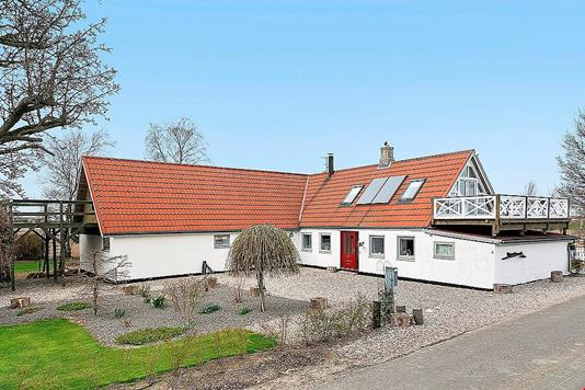 Villa på Lille Byskovvej i Nykøbing F - Ejendommen