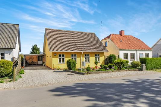 Villa på Grænge Skovvej i Toreby L - Ejendom 1