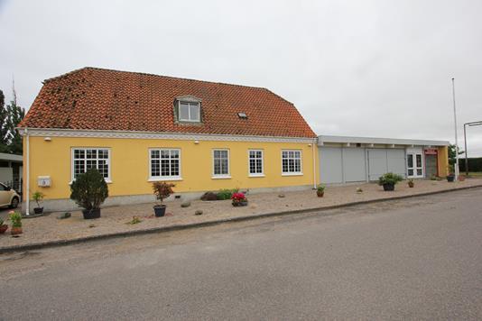 Villa på Egholmvej i Nysted - Ejendommen