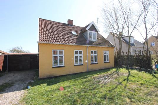 Villa på Grænge Skovvej i Toreby L - Ejendommen