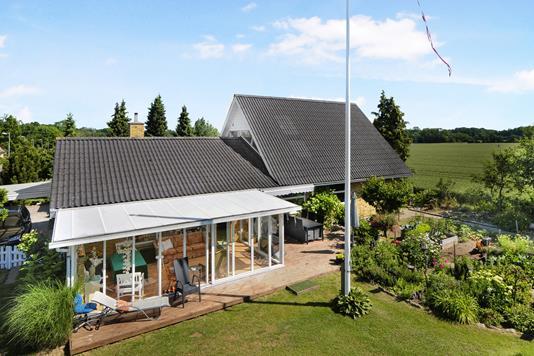 Villa på Engmosevej i Nykøbing F - Ejendom 1