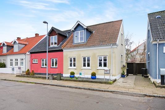 Villa på Colbjørnsensvej i Nykøbing F - Ejendom 1