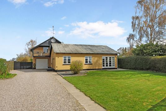 Villa på Trættevejen i Nykøbing F - Ejendom 1