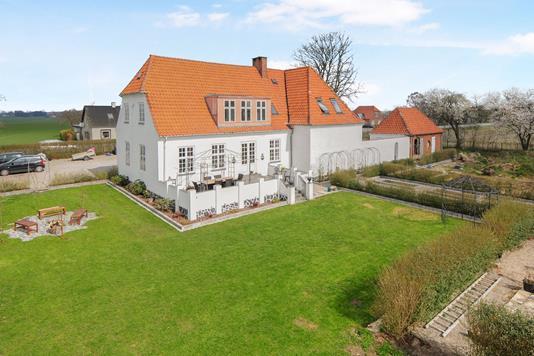 Villa på Nykøbingvej i Nykøbing F - Ejendom 1