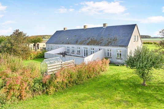 Villa på Nykøbingvej i Nørre Alslev - Ejendom 1