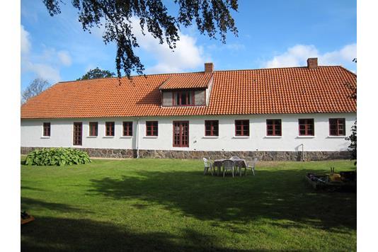 Villa på Dukkerupvej i Stubbekøbing - Ejendommen