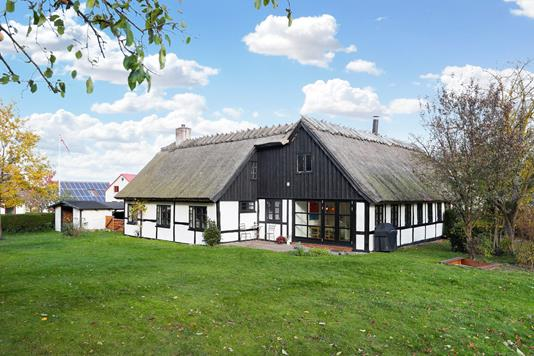 Villa på Gammel Havnevej i Kirke Hyllinge - Ejendommen