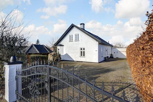 Villa på Hovedvejen i Lejre - Ejendommen