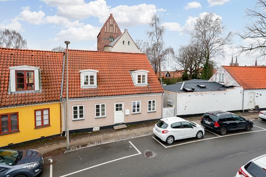 Villa på Fruegade i Roskilde - Ejendommen