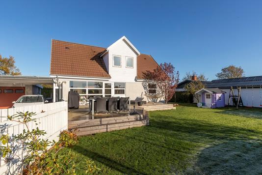 Villa på Tjørnevænge i Gadstrup - Ejendommen