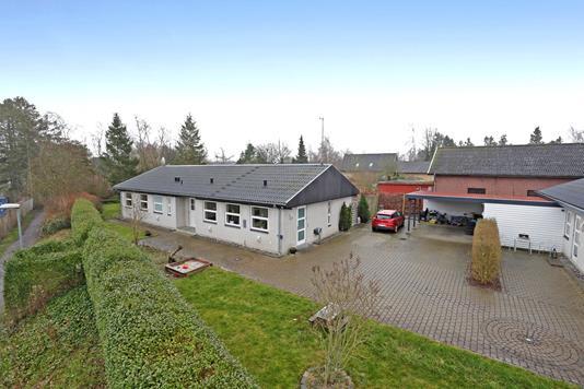 Villa på Tjørneager i Hvalsø - Ejendommen