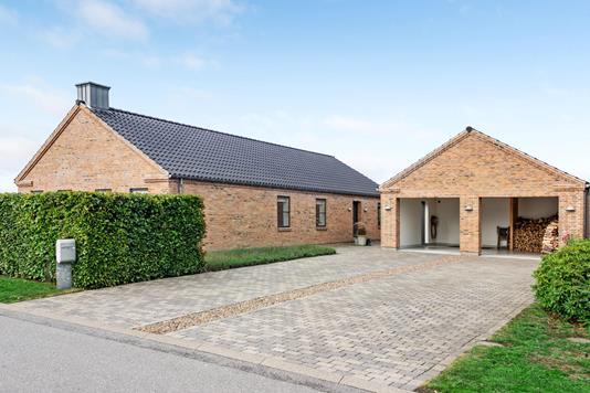 Villa på Blæsenborg Alle i Ringkøbing - Ejendommen