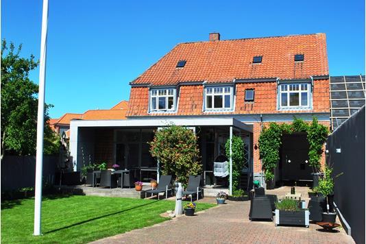 Villa på Chr Husteds Vej i Ringkøbing - Ejendommen