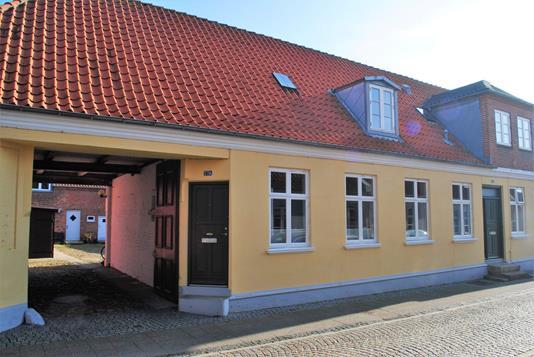 Villa på V Strandgade i Ringkøbing - Ejendommen