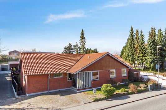 Villa på Rosenvangs Allé i Højbjerg - Ejendommen