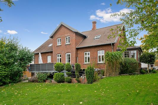 Villa på Østerbyvej i Tranbjerg J - Set fra haven