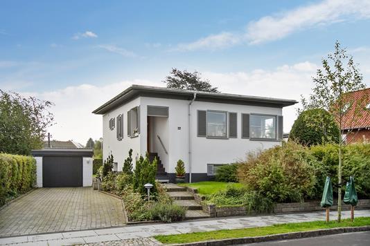 Villa på Thornbæks Allé i Højbjerg - Ejendommen