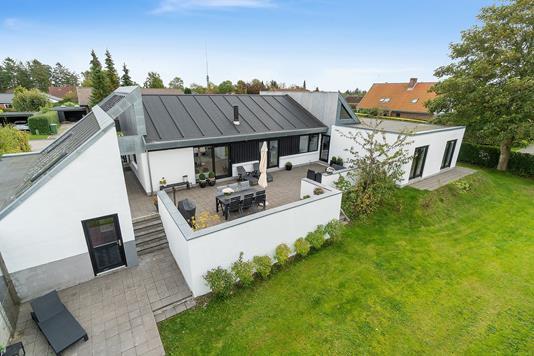 Villa på Skåde Højgårdsvej i Højbjerg - Set fra haven