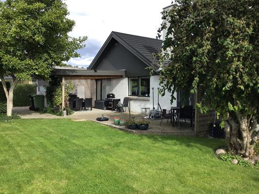 Villa på Parkvænget i Tranbjerg J - Terrasse
