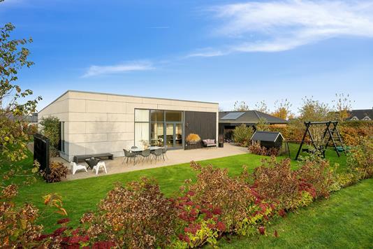 Villa på Enkegårdslunden i Mårslet - Set fra haven