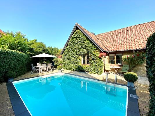 Villa på Carinavej i Højbjerg - Set fra haven