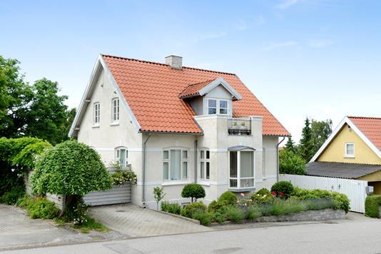 Villa på Jelshøjvænget i Højbjerg - Ejendommen