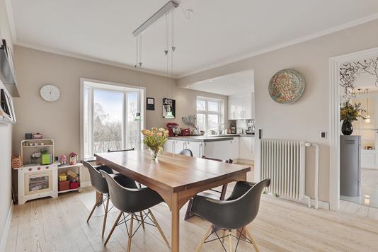 Villa på Christian X's Vej i Højbjerg - Spisestue