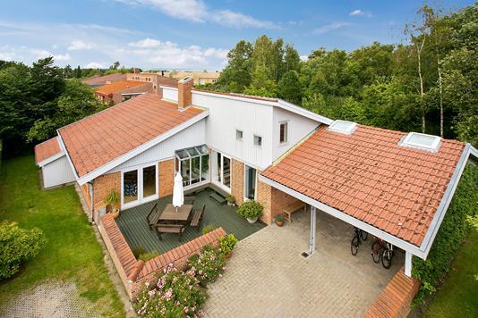 Villa på Askehøjvej i Højbjerg - Set fra haven
