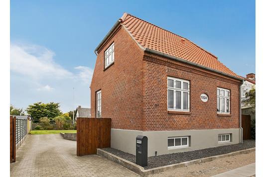 Villa på Christian X's Vej i Tranbjerg J - Forsidebillede
