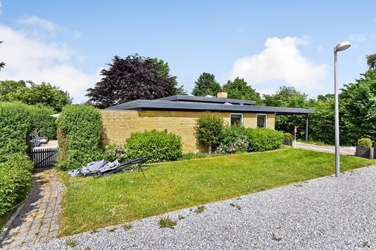 Villa på Lykkegårdsvej i Randers NV - Ejendommen